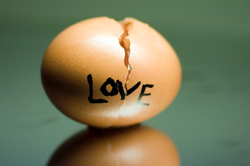 broken-love-egg-medium